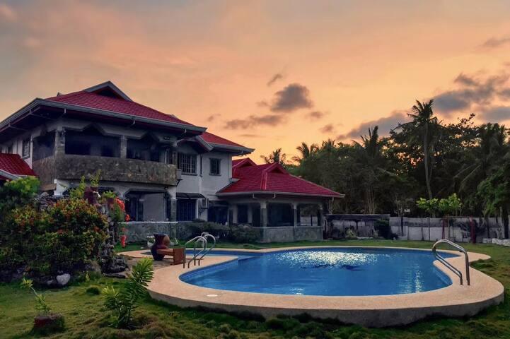 Villa RJ seaside  (圣•方壶海景墅),三间客房一起出租,跳岛游零距离出海
