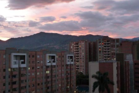 Apartamento amoblado en Envigado - Envigado