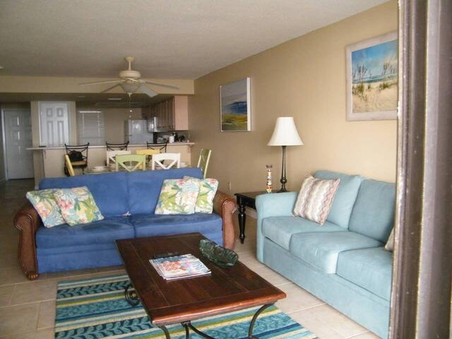 Wind Drift 105 SE-Beach Front Condo 2Bed/2Bath