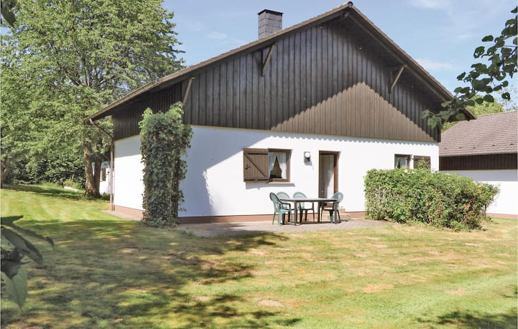 Holiday cottage with 2 bedrooms on 75m² in Thalfang
