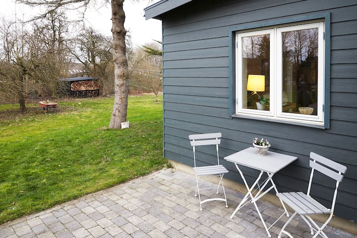 Cozy house in scenic area 15 km from CPH.