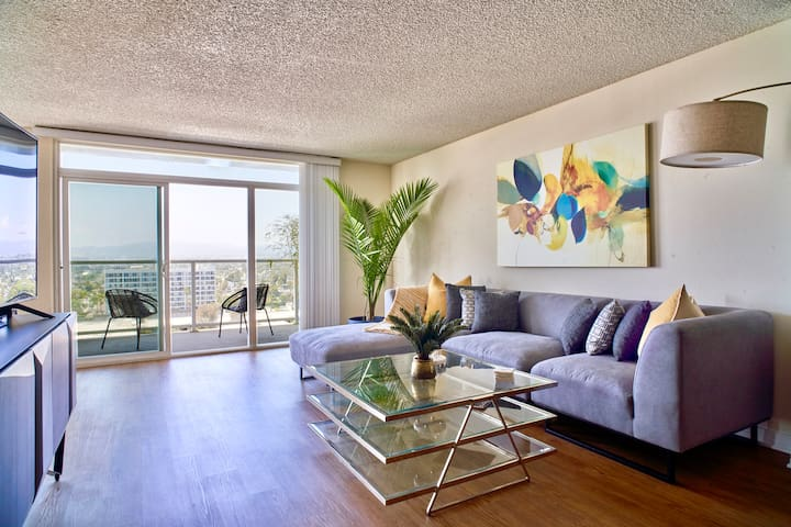 5 ★ Penthouse Oasis With Panoramic Ocean Views ★