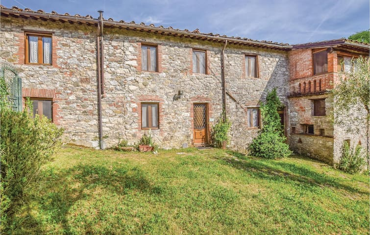 Holiday cottage with 8 bedrooms on 480 m² in Borgo a Mozzano LU