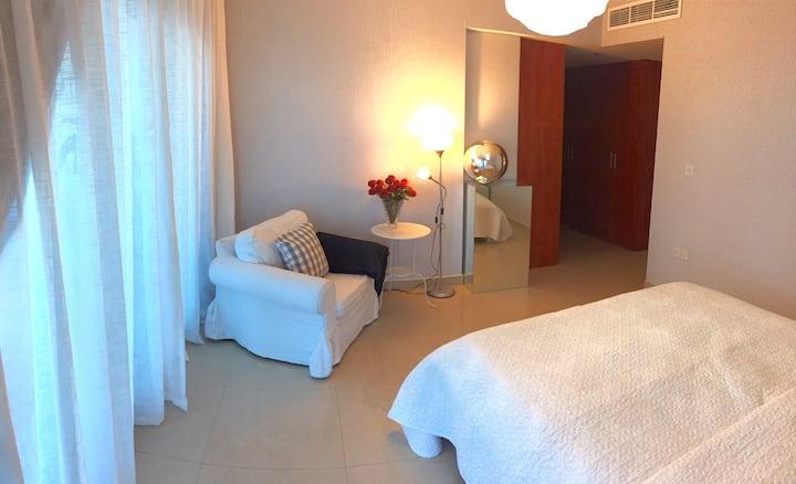 Top Location. Private Room near DIFC, Dubai Mall