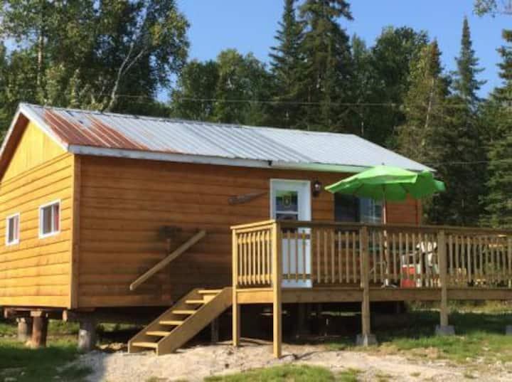 Chalet La Pointe Dufour: Pourvoirie du Rapide-sept