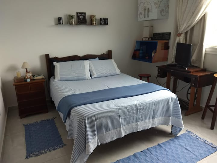 Suite arejada, confortável fácil acesso, próx UFOP