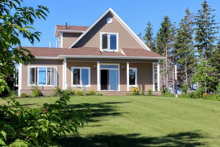 Vacation Home on the Bay -PEI - York - Ev
