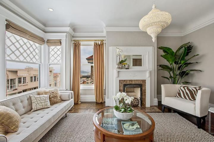 Charming Victorian Near FiDi with Parking