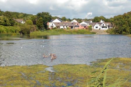 Waters Edge Retreat on the Mill Pond in Pembroke. - Pembroke,
