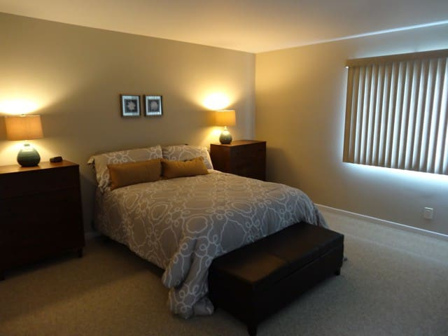 Cozy Carp Condo Room! - Carpinteria - Condominium