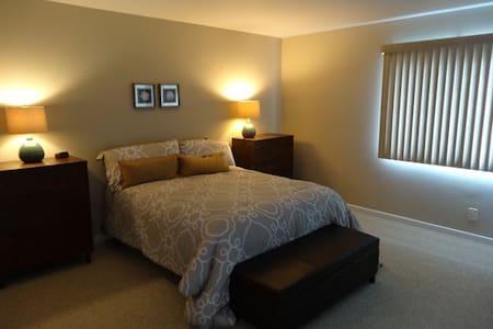 Cozy Carp Condo Room! - Carpinteria