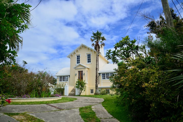 Locust Lodge - Devonshire Parish - Dům