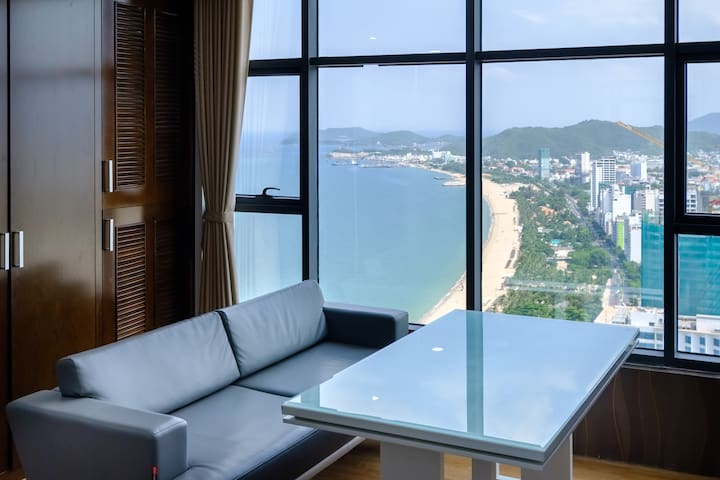 Deluxe Apartment with Sea View -City Center