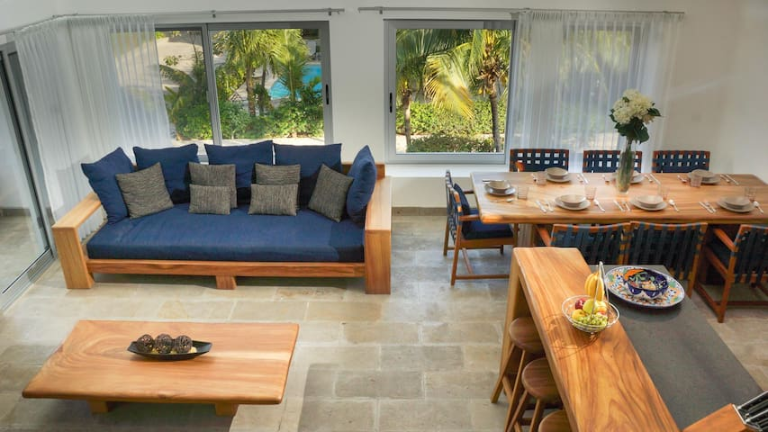 Private Villa in Playacar with 2 pools, rooftop area and steps from the beach!
