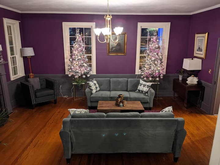 Recently Updated! Private Suites with Living Areas