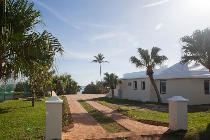 2 Bedroom Cottage on Hungry Bay - Paget - Huis