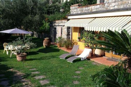 """""""Il montetto"""" casa vacanza a 10 minuti da Lerici - Arcola"""