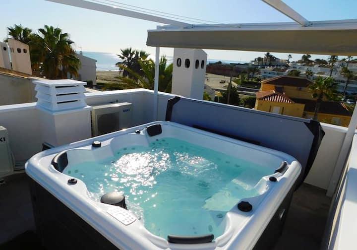 Duplex vue sur mer avec solarium et Jacuzzi