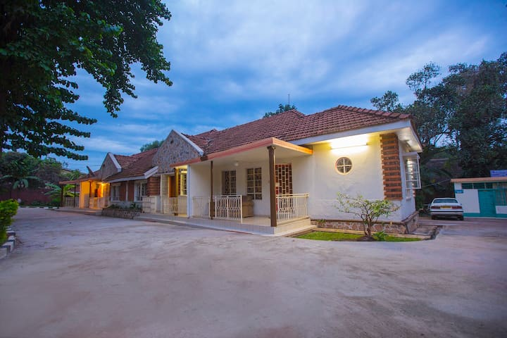 Fully Serviced 1 Bedroom Apartment - A4
