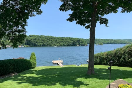 Candlewood Lake Retreat