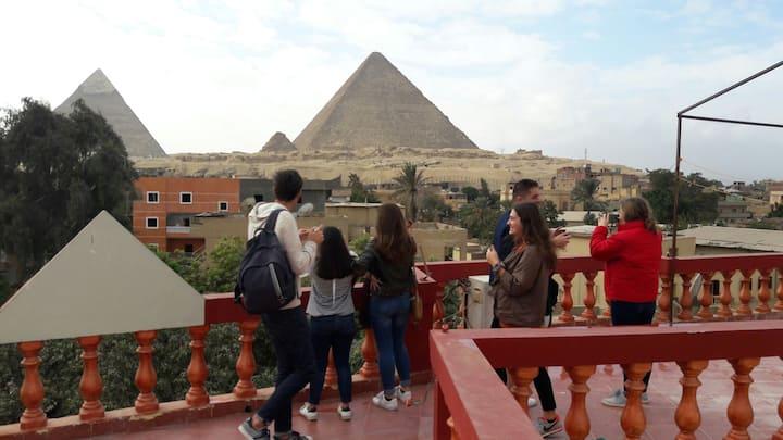 3 Pyramids view inn-Delta + Free pick up