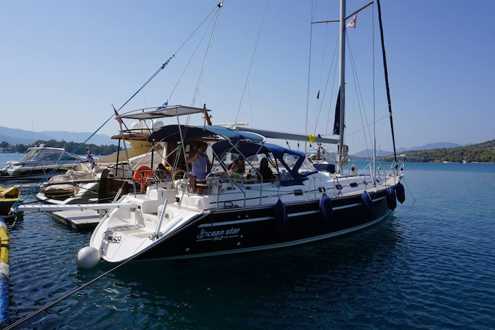 Amazing Yacht to relax and have fun