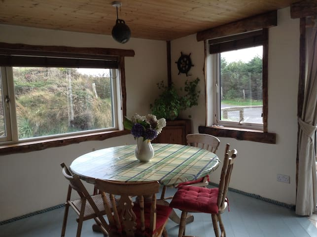 2 Bedroom Lodge - Beautiful Sandy Beaches - Caherdaniel