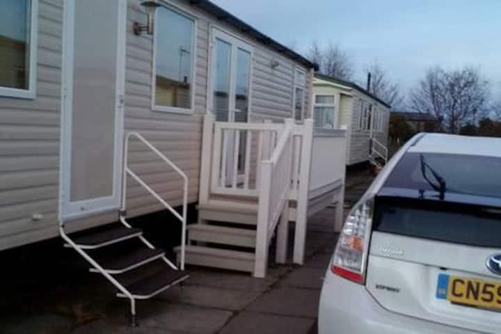 3 bed Prestige Caravan with 2 bathrooms