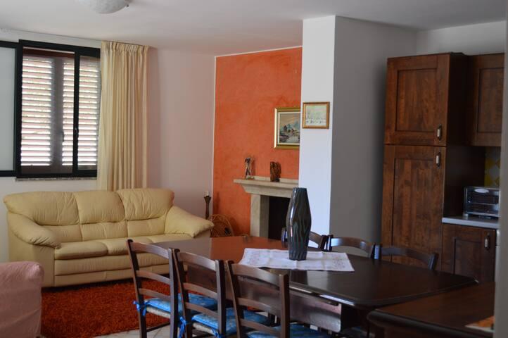 Appartamento in villa a 3 km dal mare