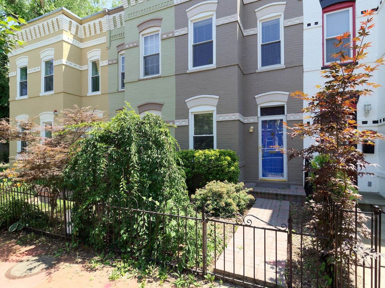 Renovated rowhouse located between Navy Yard & Capitol Hill