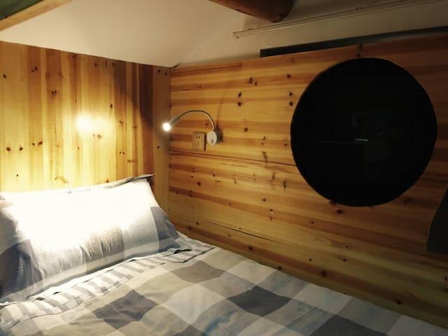西湖边八娇和三米的家之太空舱一人铺(男生OR女生四人间)Benjamin&Sammy's Home - Hangzhou