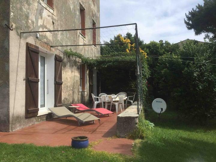 Appartement avec jardin en rez de chaussée