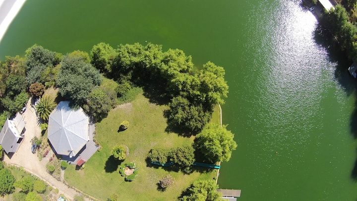 Casa equipada en Rapel orilla lago, hermosa vista