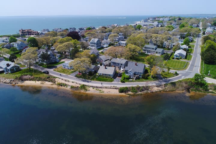 Waterfront home w/lake views-walk to Falmouth Heights Beaches
