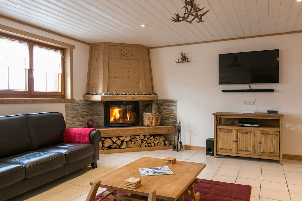 Lounge with Flat Screen TV, SKY SPORTS and log store