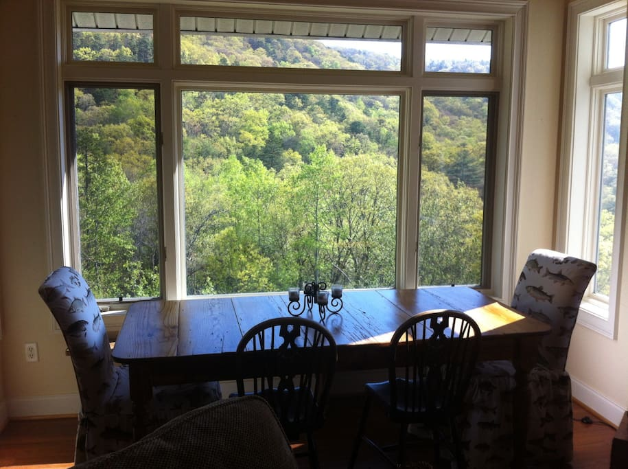 Dining area overlooking mountains
