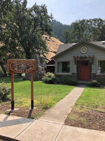 Klickitat River Inn - Main House