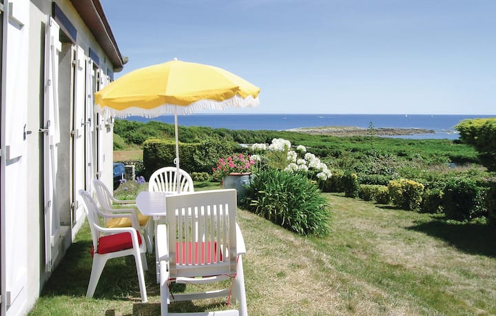 Holiday cottage with 3 bedrooms on 150m² in Esquibien