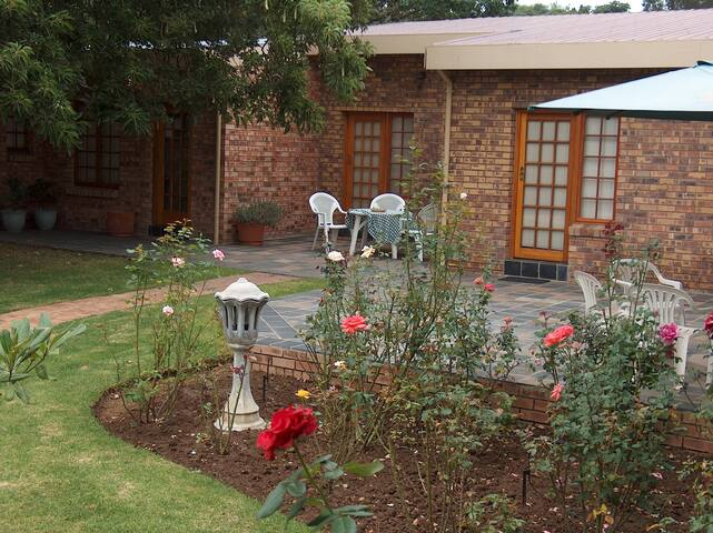 ALBATROSS BED & BREAKFAST - Benoni