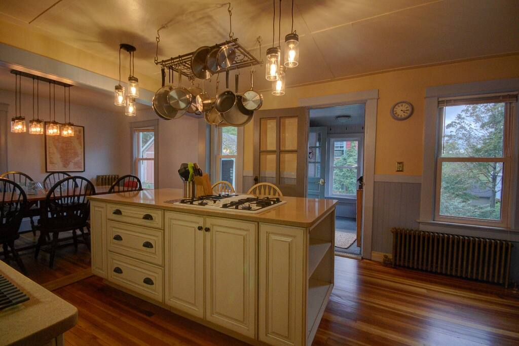 Fully outfitted kitchen, great for entertaining with a large island