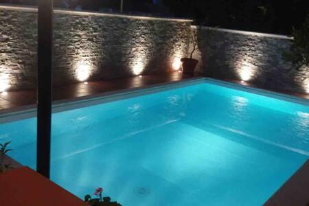 Villa indipendente al mare con piscina privata