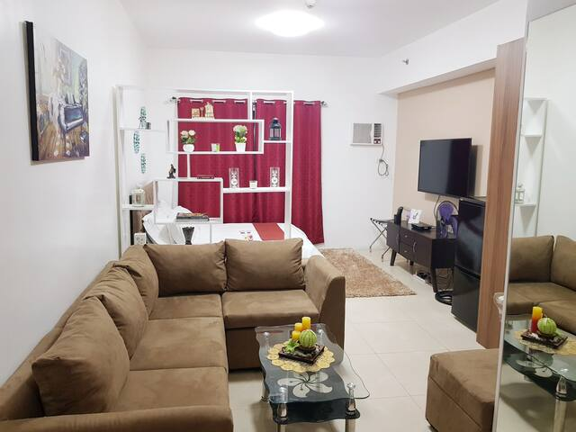 AFFORDABLE,cozy,convenient condo in Eastwood