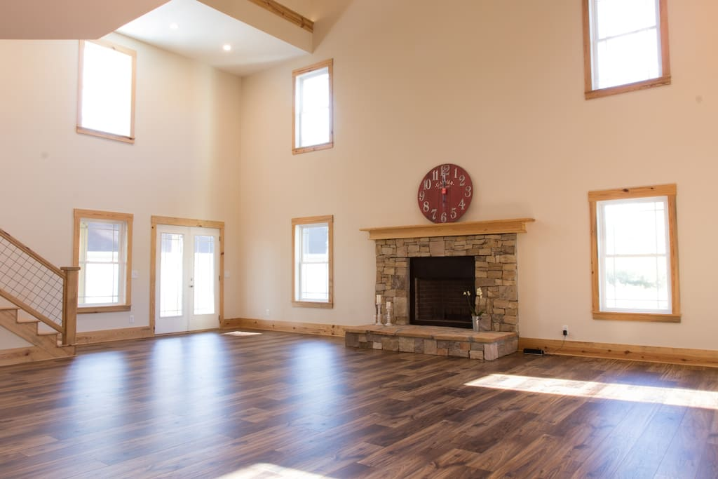 Huge open floor plan first floor perfect for small parties and events