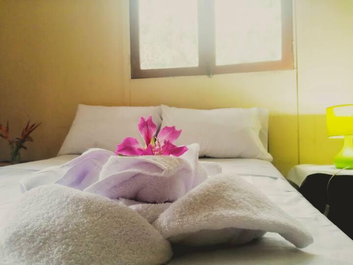 Cómoda habitación en casa chalet