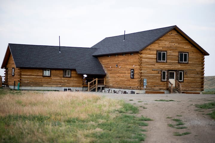 ★Champagne Creek Lodge near Craters of the Moon