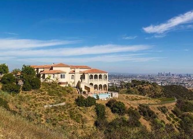 Exquisite, Private, Hollywood Hills Mansion - Los Angeles - Villa