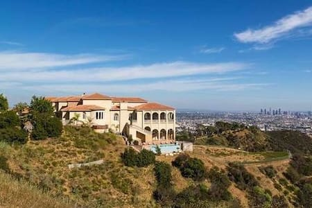 Exquisite, Private, Hollywood Hills Mansion - Los Angeles