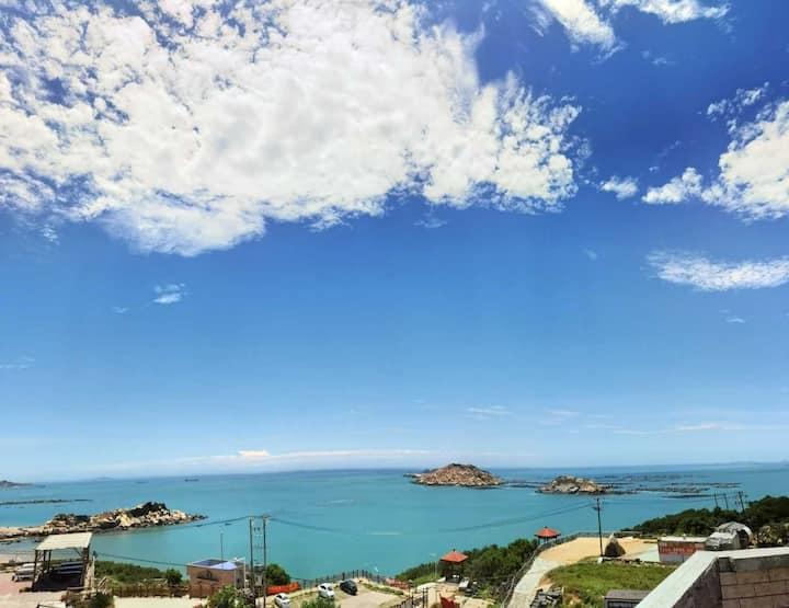 平潭蓝海湾观景石厝·蓝情·日出豪华海景双床房