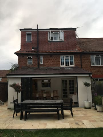 Large family house close to Richmond and Kingston - Richmond - Haus