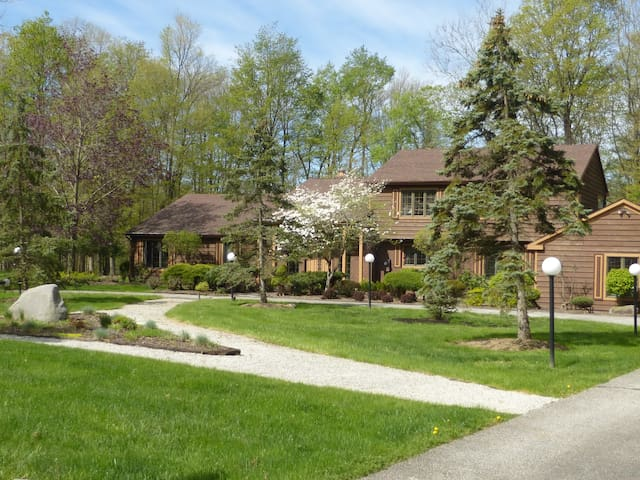 Spacious Tranquil RNC Experience - Gates Mills - Haus